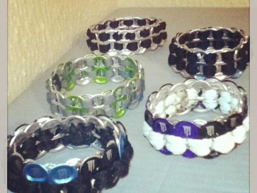 Upcycled POP PULL TAB bracelets's video poster
