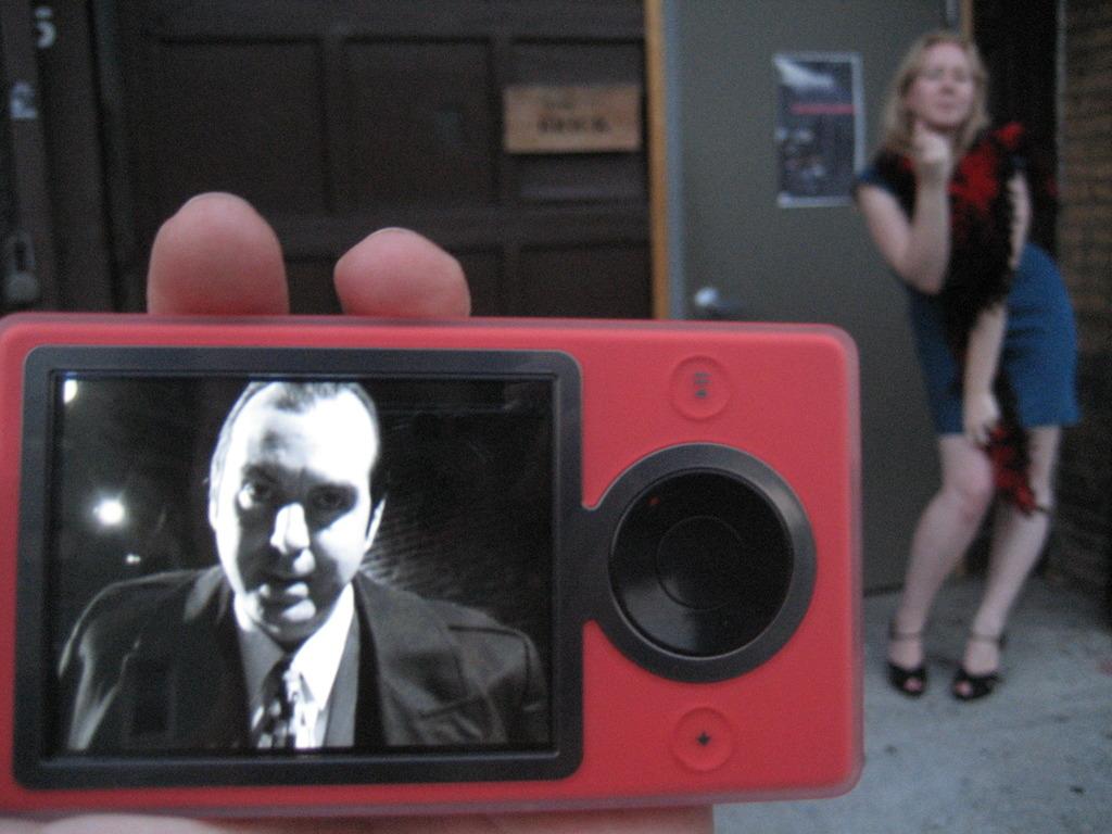 Suspicious Package: Bring iPod Noir to Edinburgh!'s video poster