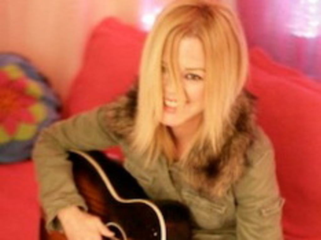 Help Mary Lou Lord Make Her New Record !'s video poster