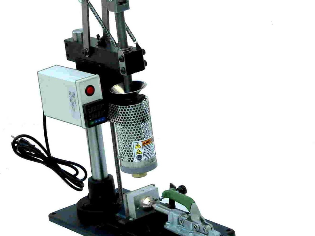 Bench Model Plastic Injection Machine's video poster