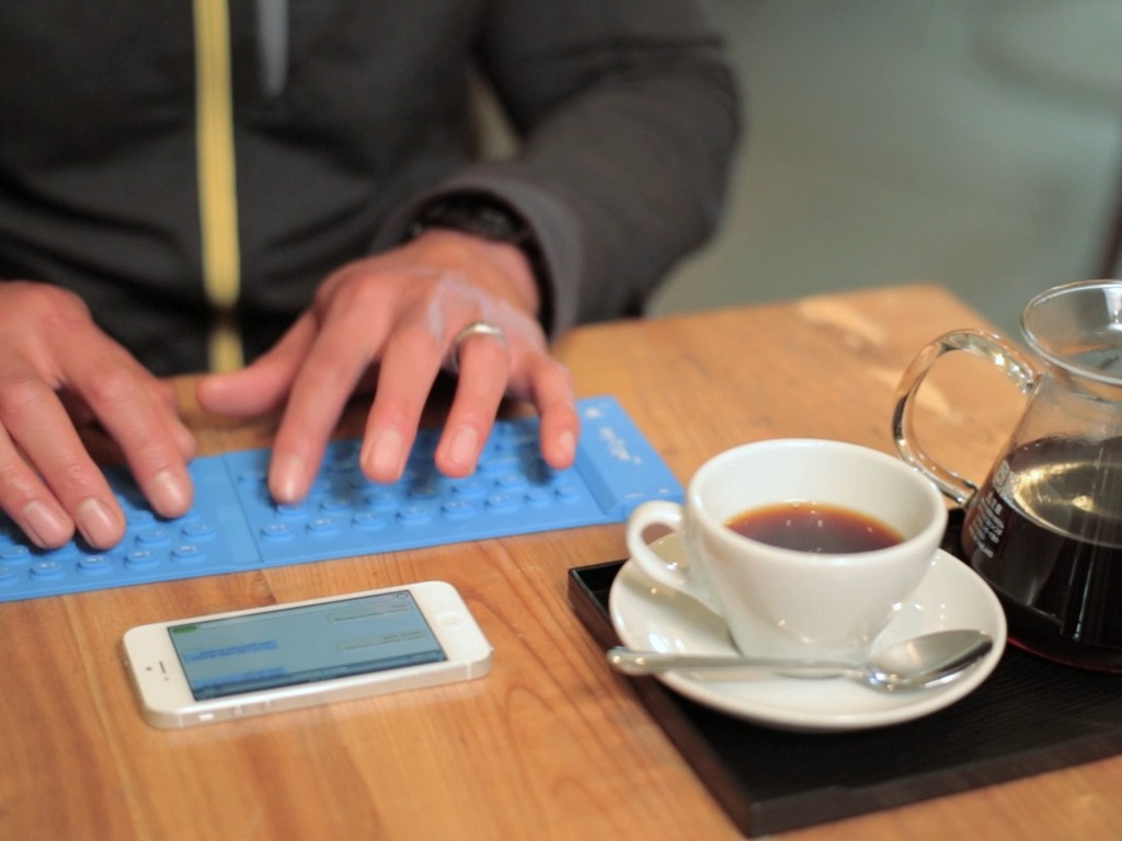 myType™ Pocketable Bluetooth Keyboard for Phones & Tablets's video poster