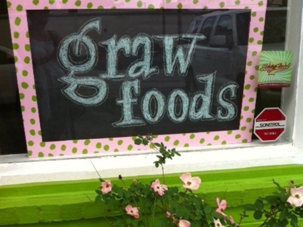 """graw foods is sprouting its next big idea... """"graw-to-go""""!'s video poster"""