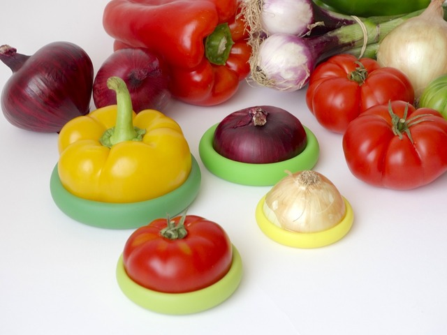 Food Huggers - Helping Preserve Food Huggers preserve your leftover fruits and veggies