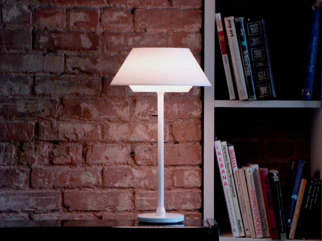AmbientOne LED Table Lamp's video poster