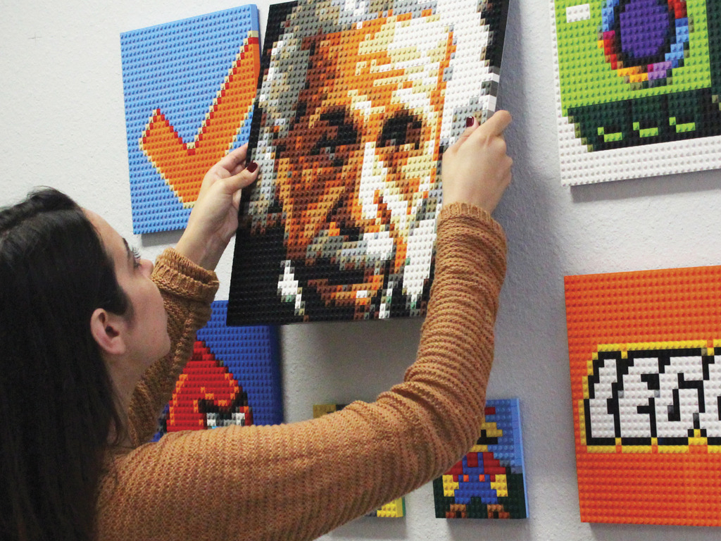 Brick-A-Pic - Turn an Image into Lego® Bricks's video poster
