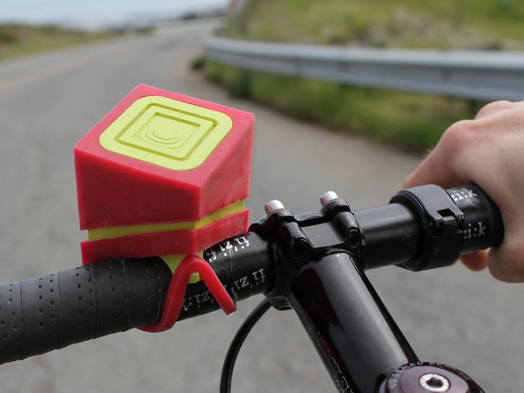 SleekSpeak: Wireless Speakers for Your Bike's video poster