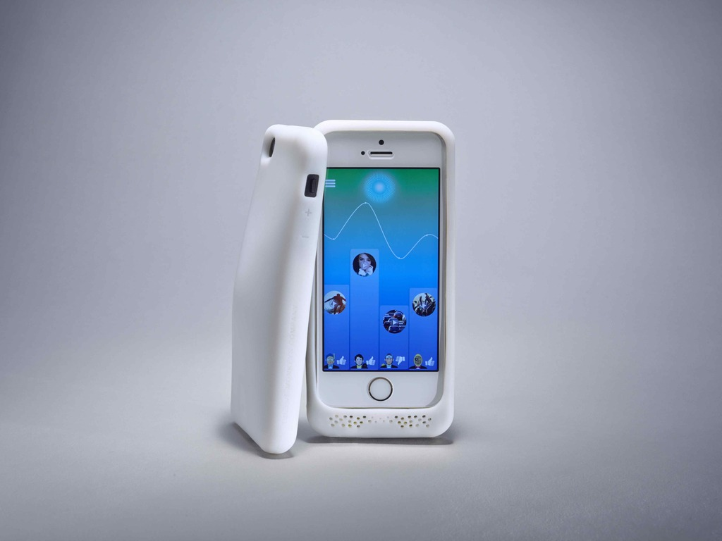 The Feeling Skin - The first smart battery case for iPhone's video poster