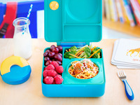OmieBox: Hot & Cold Food in 1 Lunchbox