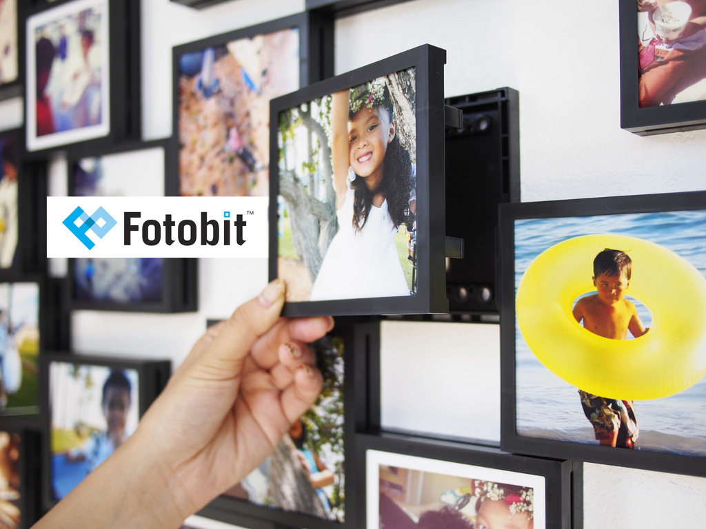 Fotobit: Modular Photo Framing System's video poster