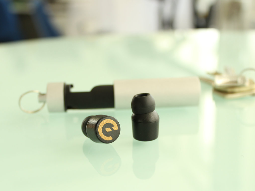 Earin - The Worlds Smallest Wireless Earbuds's video poster