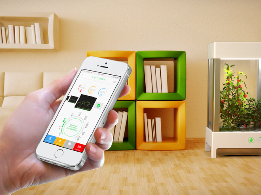 Niwa: The world's first smartphone-controlled growing system's video poster