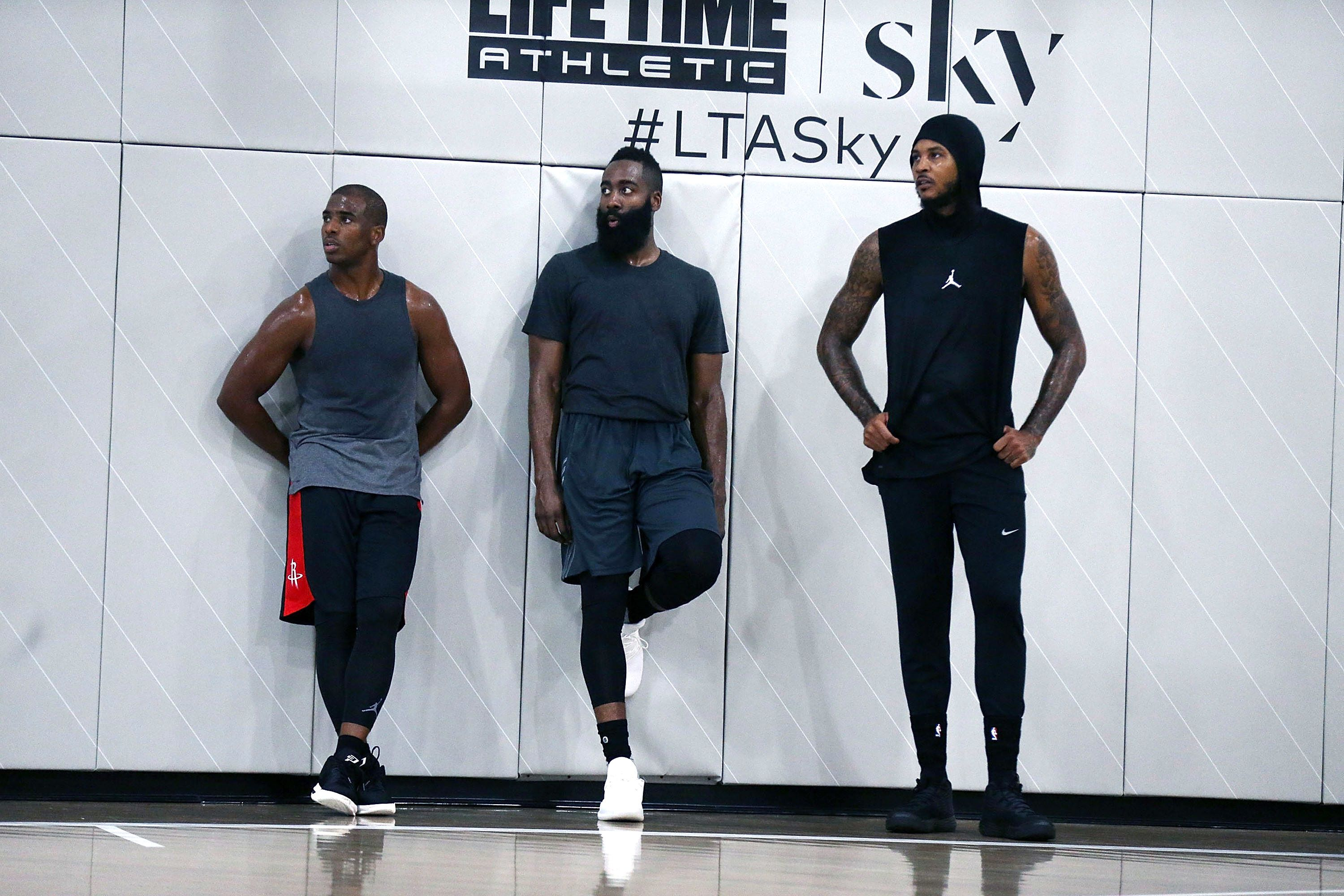 Will Black-Ops training keep Hoodie Melo in it for the love