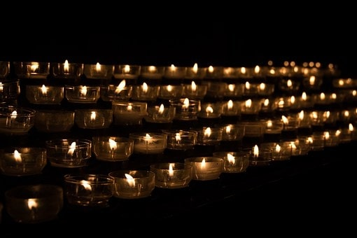 candles paying tribute