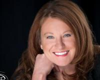 Jennifer Maher Headshot