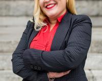 Nanette Lara Headshot