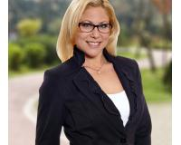 Rachel Hoffman Headshot