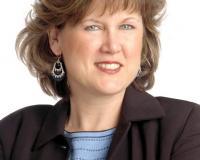 Diana Hardek Headshot