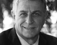 Gustavo Blachman Headshot
