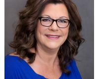 Cindy Pelton Headshot