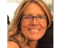 Sue Kretzu Headshot