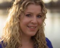 Karen Golan Headshot