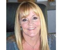 Elaine Edwards Headshot