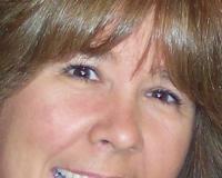 Kelly Barlow Headshot