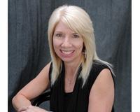Tina Callahan Headshot