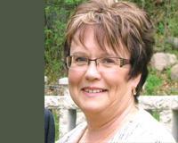Janet Paquette Headshot