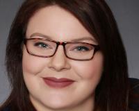 Amber Sewell Headshot
