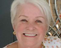 Carole Hogge Headshot