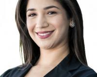 Julie Arriola Headshot