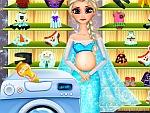 Pregnant Elsa Washing Clothes