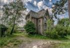 Abandoned Cottage Escape
