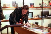 hince-gallery-bookmarc-2