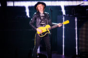 beck_hollywoodbowl_ZBIMAGES_first3-06278