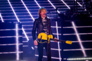 beck_hollywoodbowl_ZBIMAGES_first3-06371