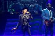 beck_hollywoodbowl_ZBIMAGES_first3-06498