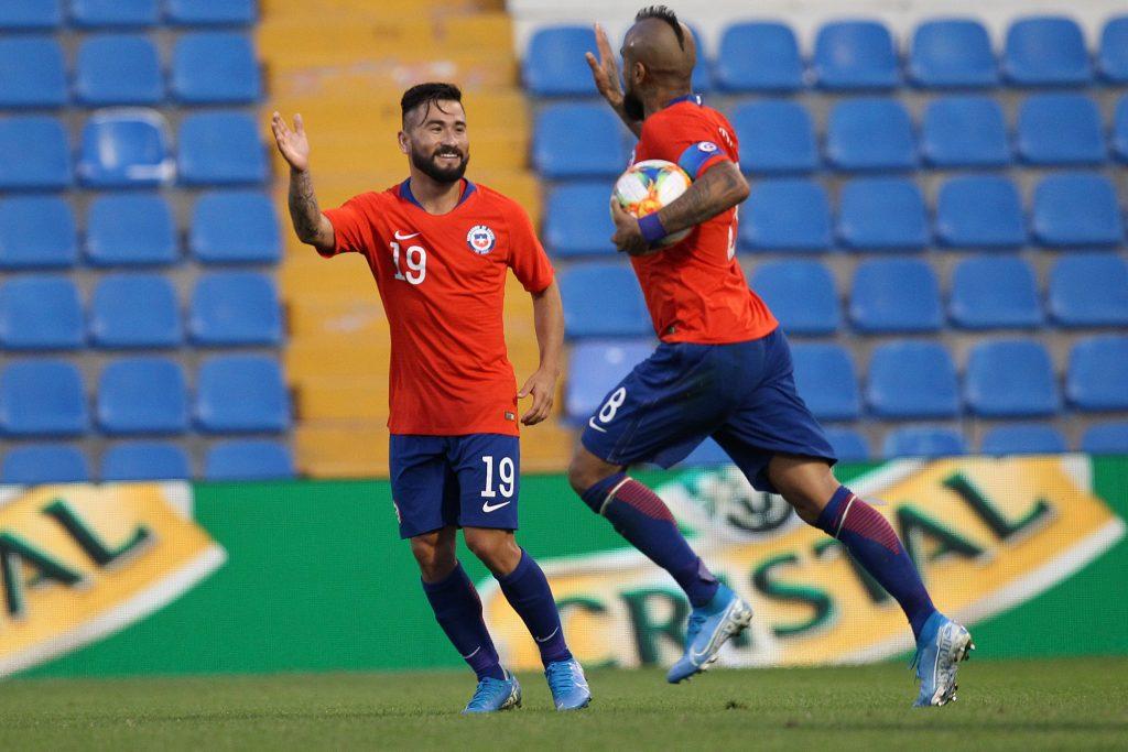 Chile Guinea Arturo Vidal