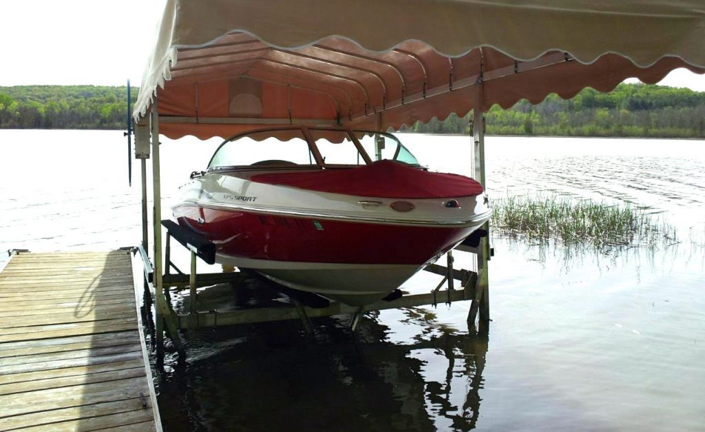 Boatlift Mat holds up to 6,000 pounds — prevents lifts from sinking in muck and keeps them level.