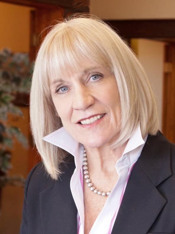 Photo of Ellen Hanson