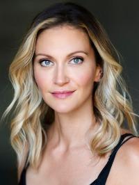 Photo of Lauren Thomason