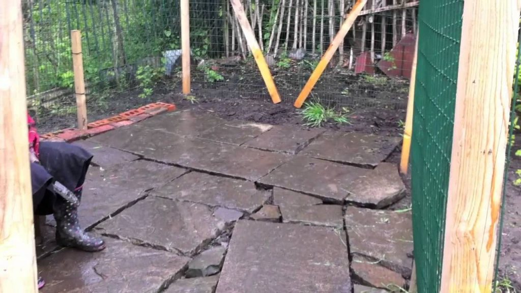 Bees Building enclosure – almost there