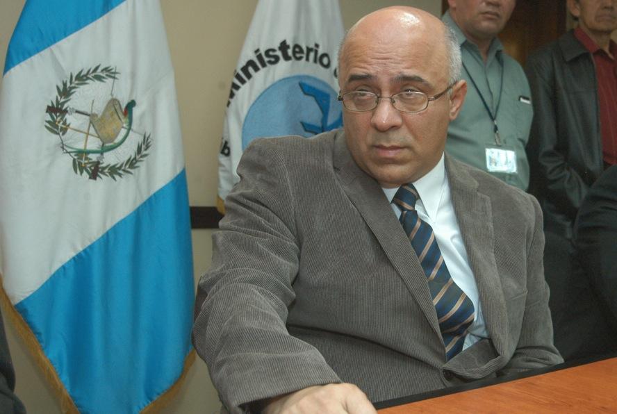 Ministro señala que hay evidencia de corrupción en Ministerio de Salud