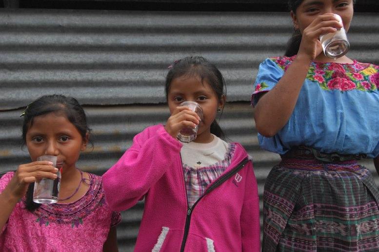 Esperan abastecer de agua potable a  medio millón de niños del área rural