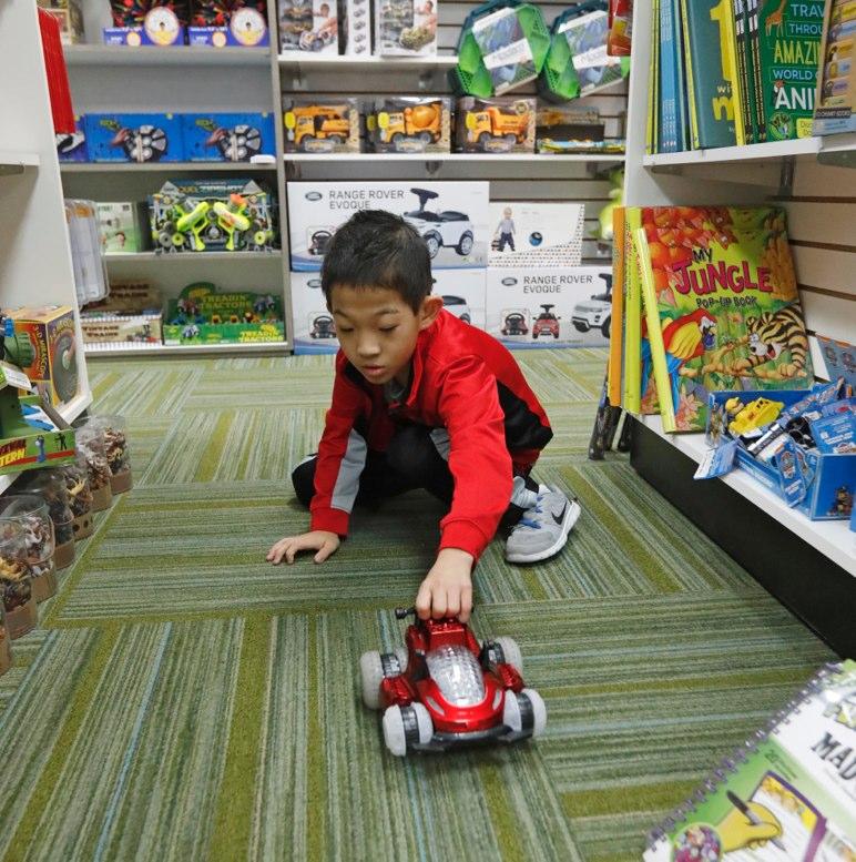 Más opciones para comprar juguetes a niños autistas - La Hora 5f1bb59df63