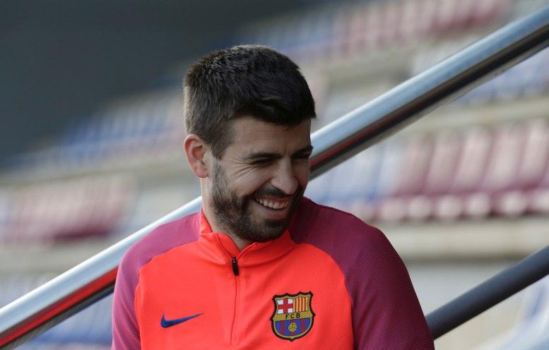 El Barcelona pide a Piqué y sus capitanes que no critiquen a los árbitros
