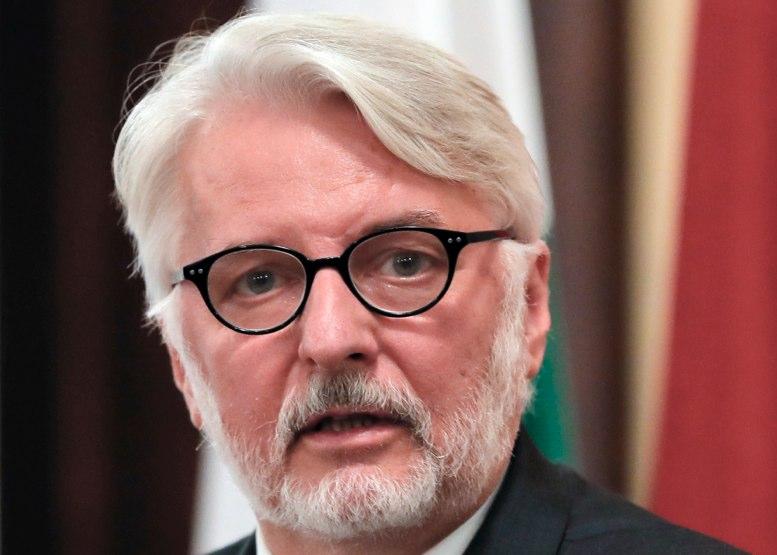 Canciller polaco menciona país que no existe