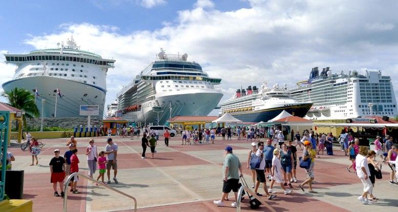 Los Cruceros Vuelven A La Isla De San Martin La Hora