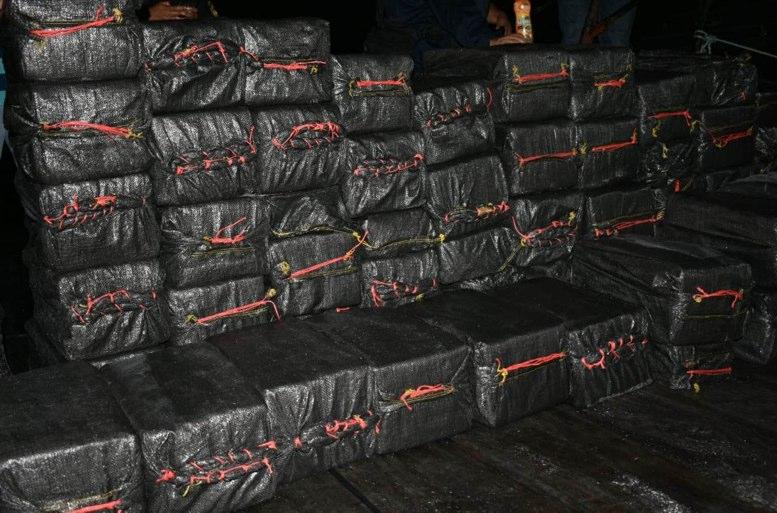 Decomisan casi dos toneladas de cocaína en Guatemala